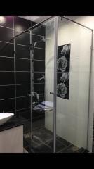 Angular shower cabin