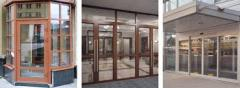 Entrance group of glass
