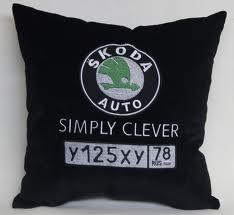 Throw pillows. Auto-pillows.