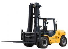 The loader is fork, Maximal, FD100T-M, 10000 kg.,