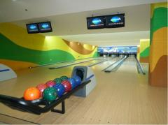 Tracks for bowling