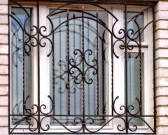 Shod metal lattices on windows