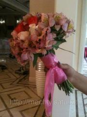 Букет невесты, розы, орхидея в Алматы