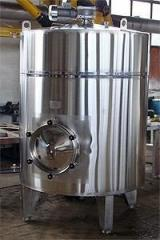 The tank for the beer and soft drinks industry