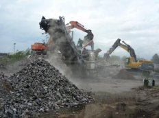 Crushed stone for iron concrete a produc