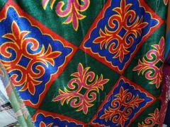Казахский Национальный Материал для Корпе. На Орнаментах