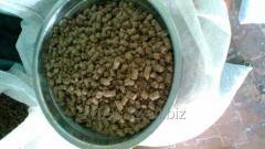 He granulated compound feed from a beer pellet for