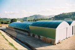 Buildings and facilities for poultry keeping