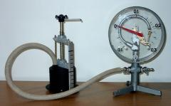 The bellow valve with the manometer