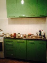 Кухонный гарнитур из акрила, цвет зеленый