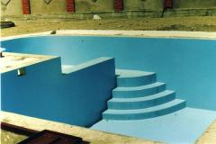 Waterproofing of pools by means of liquid rubber
