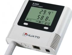 Registrar of temperature and humidity