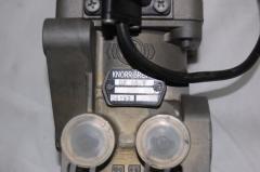 Ножной тормозной кран DX65B 504052063