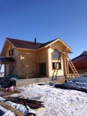 Строительство деревянного дома, сборка срубов,