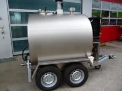 Холодный молочный танк на прицепе O-300