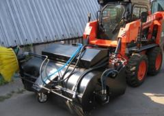 Loading and off-loading specialized machinery