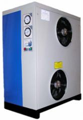 Equipment for cleaning with compressed air