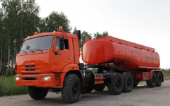 Semitrailer- cistern for light petroleum products