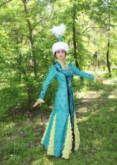 Женский казахский национальный костюм
