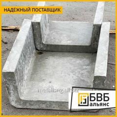 Trays made of reinforced concrete