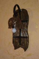 Бра деревянное, выполненное под старину