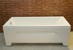 Acrylic rectangular bathtubs