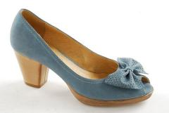 Womanly shoes from genuine leather