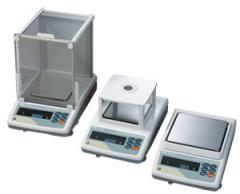 Весы GF-2000 (2100г Х 0.01г; внешняя...