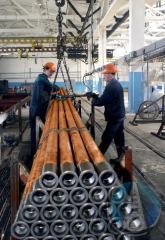 Pump and compressor pipes