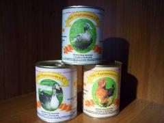 Canned food from meat of birds