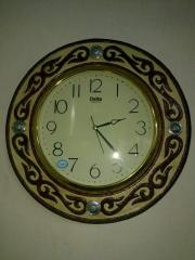 Wall clock from skin