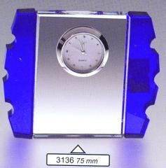 Bracket crystal clock