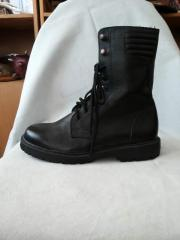 Boots winter man's with high berets
