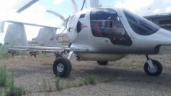 The hinged equipment on an autogyro for chemical