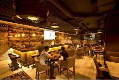 Интерьер гостиницы, ресторана и бара