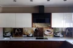 Фартуки кухонные стеклянные
