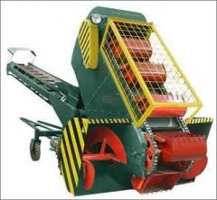 Grain loader self-propelled kovshovy shnekovy