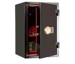 The safes combining fire resistance and resistance