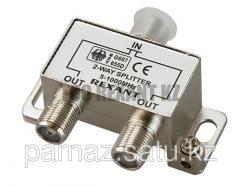Divider of TV x 2 under F socket 5-1000 MHz of