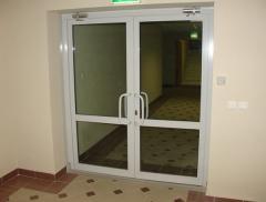Двери противопожарные светопрозрачные одно- и