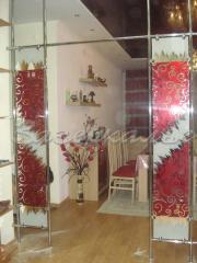 Декоративные стеклоблоки в оформление дверного