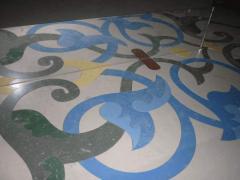 Porcelain tile for a floor