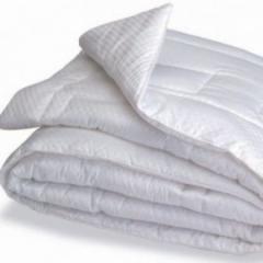 Одинарное пуховове одеяло бязь белое