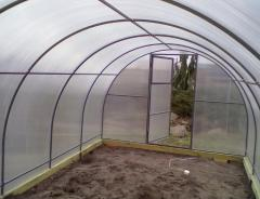 Frame shelters for the wintering plants