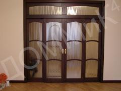 Дверь - большая со стеклами