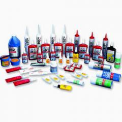 Glues in assortmen
