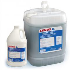 Synthetic emulsion for spraying by the minimum