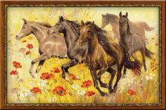 Набор для вышивания нитками Табун лошадей