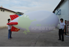 The balloon airship with red fins length is 4 m
