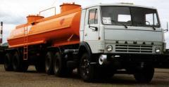 The semi-trailer tank transport (fuel truck) -